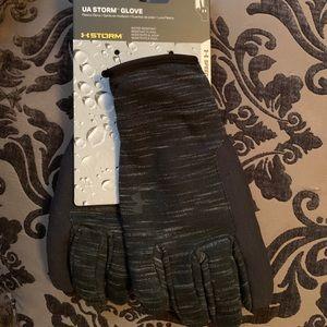 NWT Women's Under Armour UA Storm Fleece Gloves